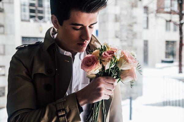 花の香りを香る